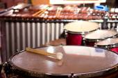 Percussion instruments in a chamber hall. Drums. Marimba. Bass. Jazz. intimate lighting — Stockfoto