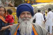 Portrait of unidentified Sikh man in a Dastar, New Delhi, India. — Stock Photo