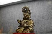 Escultura de bronce budista chino tradicional — Foto de Stock