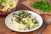 Italian pasta fettuccine with mushrooms — Stock Photo