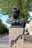RUSSIAN POET ALEXANDER PUSHKIN MONUMENT IN ESTONIA — Stock Photo