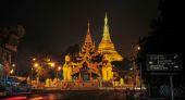 Shwedagon Paya pagoda illuminated in the evening — Stock Photo