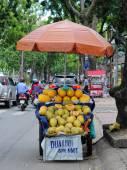 Life of Vietnamese vendors in Saigon — Stock Photo