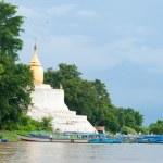 Bu-phaya, the pagoda close to the river in Bagan — Stock Photo #70105547
