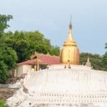 Bu-phaya, the pagoda close to the river in Bagan — Stock Photo #70105719