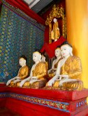 Buddha statues in Shwedagon Pagoda, Yangon — Stock Photo