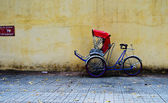 Cycle rickshaw (cyclo) parking in Saigon — Zdjęcie stockowe