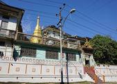 Golden stupa at Yangon downtown — Stock Photo