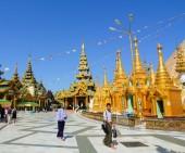 Shwedagon Pagoda in Yangon, Myanmar — Stock Photo