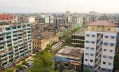 Many old buildings at Yangon downtown — Stock Photo
