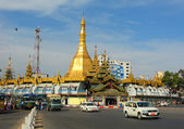 Traffic in downtown Yangon, Myanmar — Stock Photo