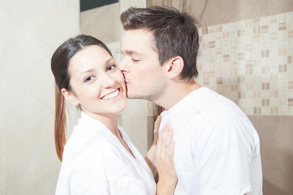 Kissing Couple In Bathroom Techieblogie Info
