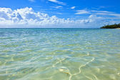 Turquoise waters of bahamas — Stockfoto