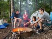Father camping with kids — Stock Photo