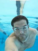水中水泳の男 — ストック写真