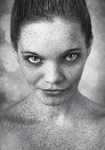 女人的特写镜头的雀斑脸 — 图库照片