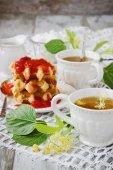 Hot linden tea — Stock Photo