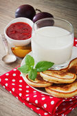Hearty breakfast — Stock Photo