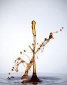 Водный всплеск, изолированный на белом — Стоковое фото