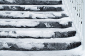 House entrance stairs covered with snow and ice after an ice sto — Foto de Stock