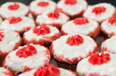 Closeup shot of a bunch of red cup cakes — Stock Photo