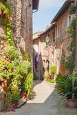 Beautiful hilltop town in Tuscany, Italy — Stock Photo
