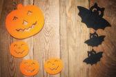 Fond d'Halloween sur une table en bois — Photo