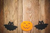 Cadılar bayramı zemin ahşap bir masa üzerine — Stok fotoğraf