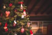 Christmas tree and Christmas decorations — 图库照片