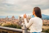 Beautiful fashion woman impressed panorama view Florence. — Stock Photo