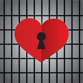 Locked heart with keyhole — Stock Vector