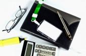 Accesorios para la oficina en blanco — Foto de Stock