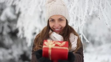 Beautiful Woman Holding Present Xmas Holidays Joy Concept — Stock Video