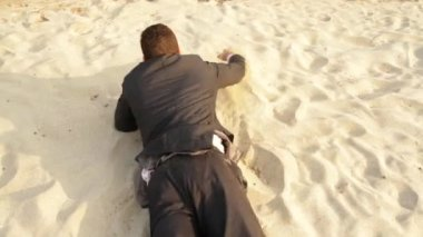 Businessman Lost Desert Success Concept Reaching Rescue Water — Stock Video