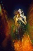 Flicka sköt med blandat ljus teknik — Stockfoto