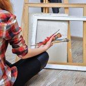 Painter holds the brush — Stok fotoğraf