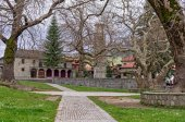 Old Byzantine church in Metsovo, Greece, on an overcast day — Stock Photo