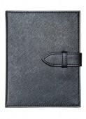 Czarny skórzany notatnik na białym tle — Zdjęcie stockowe