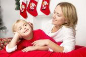 Mom and daughter at Christmas — Stock Photo