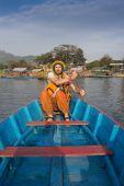 Человек, путешествия на лодке — Стоковое фото