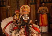 FORT COCHIN, India -  January 10, 2015: Kathakali performer in the virtuous pachcha role in Cochin on January 10, 2015 in South India. Kathakali is the ancient classical dance form of Kerala. — Stock Photo