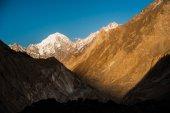 Sunrise over mountain peak — Stock Photo