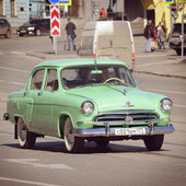 "Vintage soviet automobile ""Volga-GAZ-21"". — Stock Photo"
