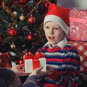 Kerstcadeau verrassing — Stockfoto