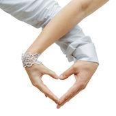 любителей пара, делая сердце с руки — Стоковое фото