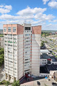PERM, RUSSIA - JUN 25 2014: Residential building at Popova stree — ストック写真