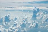 Muitas nuvem no céu azul — Foto Stock