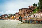 Authentic boatman on river Ganges — Stock Photo