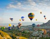 Colorful hot air balloons flying — Stock Photo