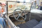 Soviet retro car GAZ-A (licensed copy Ford-A) for retro rally Gorkyclassic in the Parking lot near Gum Department store, Moscow, view of the steering wheel — Stock Photo